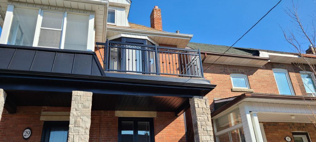 Aluminum Balcony & Stair Railings 3